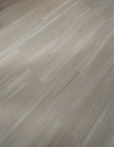 Foto 5. Rustig keramisch hout in veel verschillende tinten en maten