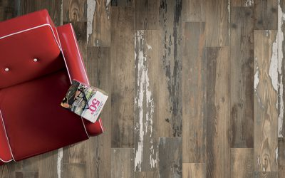 Foto 4. Versleten keramisch hout met verf en water vlekken.