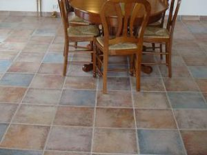 Foto 7. Een geschakeerde keramische cotto vloer