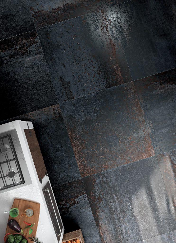 Foto 10. Prachtige verroeste metaal look tegel in 100x100.