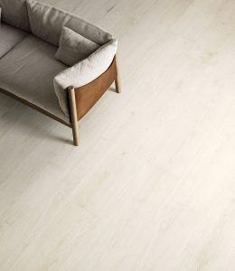 Foto 8. Erg rustig hout in een wit tint