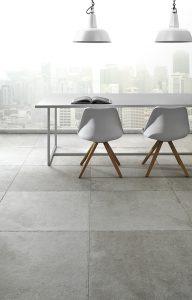 Foto 6. Prachtige grijze getrommelde kasteelvloer in 75x75