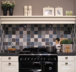 Foto 4. 10x10 tegels leuk voor de keuken achterwand, in verschillende kleuren te krijgen