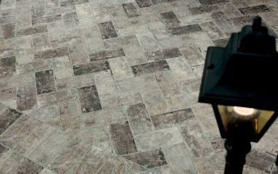 Foto 6. Keramische baksteenvloer in visgraat motief