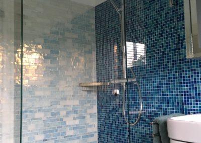 Badkamer met glasmozaïek